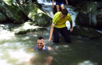 Randonnée aquatique en Savoie : initiation au ruisseling