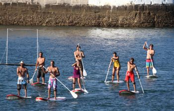 Stand up paddle dans la baie de St Jean de Luz