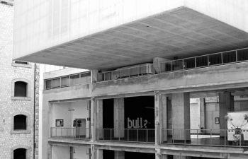 Balade photo à la Friche Belle de Mai : architecture brutaliste et industrielle
