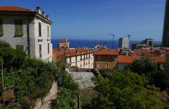 Le matin, repas itinérant et découverte de la ville de Beausoleil, frontalière avec Monaco