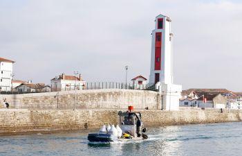 Visite Vins & Pintxos : Découverte de la vinification sous-marine et de la gastronomie Basque