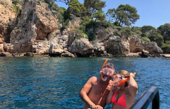 Balade en mer à bord d'un bateau privatisé, sur la Côte d'Azur