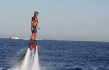 Baptême de Flyboard en méditerranée
