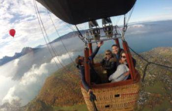 Vol privée en montgolfière au dessus du lac d'Annecy