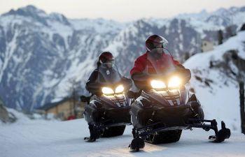 Randonnée en motoneige sur la station d'Isola 2000