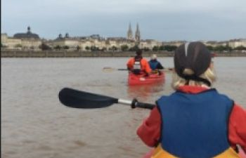 Découverte insolite de Bordeaux en canoë sur la Garonne