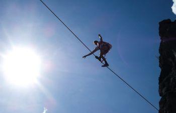 Escalade sans corde au dessus de l'eau à La Ciotat !