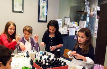 Atelier de création de parfum pour petits et grands