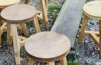 Une journée pour fabriquer son propre tabouret en bois
