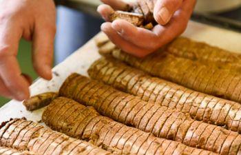 Visite guidée d'une fabrique de biscuits et gâteaux 100% gourmands