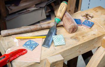Découverte du travail du bois chez un artisan normand